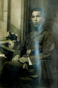 Otec Konstantin Karger na vojně v roce 1923
