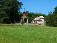 Kaple sv. Martina na samotě Na horách (Olšanská hora). V této osadě se nějakou dobu ukrýval bratranec Alois Karger.