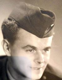 Ladislav Zošák - fotografia z čias vojenskej služby v útvaroch PTP (1951)