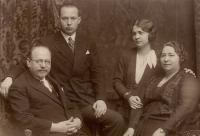 5. J. J. Pála, manželka, syn, dcera - 50. nar. J.J.Pály