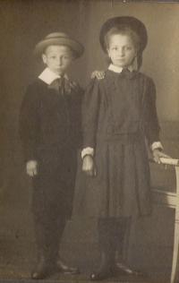 6. Sourozenci Otýlie a Otakar-příchod do Německa po smrti rodičů