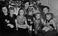 Květoslava Blahutová in the middle / sister Dana on the left / sister Lída on the right / their children in the front / 1960s