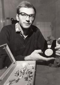 Jan Kůrka se zlatou olympijskou medailí, rok 1968