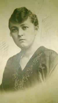 Matka Libuše Lacinové - Marie Čejková Palenská