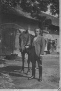Václav Císař at the farm in Řeporyje