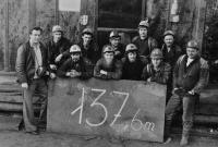 Rekord v ražbě chodeb v Rudných dolech Zlaté Hory / asi 1976