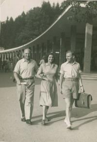 Brother Gejza, sister-in-law, Mikuláš right, Luhačovice Spa, about 1946
