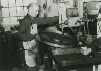 Mikuláš at the workshop of the Elektropodnik Praha, beginning of the 1970s