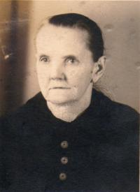 Moje milovaná babička Vitoušková (mámy máma) ze Záluží cca 40. léta