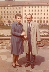 S manželem v Praze 1964