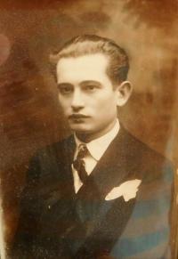Otec Václav Hajný