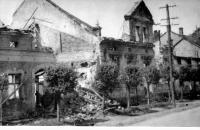 Snímek z Hrabyně poničené válkou, rok 1945