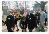 V.S. s A. Bugrem v KT Sachsenhausenu – Oranienburgu u příležitosti 60-tého výročí osvobození tábora