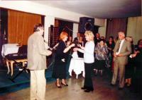 První ples pořadaný Společností přátel Jugoslávců, Čechů a Slovákův domu Jugoslávské lidové armády v Bělehradě, 11. 4. 2003