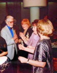 První ples pořadaný Společností přátel Jugoslávců, Čechů a Slovákův domu Jugoslávské lidové armády v Bělehradě, 11. 4. 2003 (zleva): pamětník, Jarmila Laníková, Jelena Kamarit (stávající manželka pamětníka)