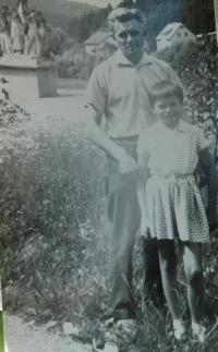Alois Grůz s dcerou Ludmilou v Javoříčku