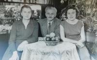 Zleva rodiče Marie a Pavel Grůzovi