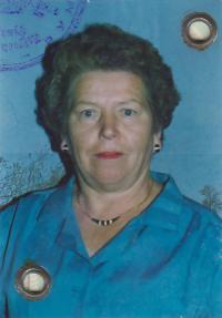 Dobový portrét pamětnice Franjica Poznik (fotka z pasu), kolem r. 1990 (Franjica Poznik, slika za pasoš, oko 1990.)