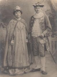 grandfather Cirilo and grandmother Ruza on the costume ball