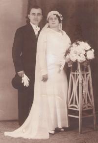 Aunt Jelena and uncle Anastas Ilic, Novi Sad, 1933)