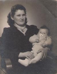 Mother Sophia (Soka) and witness Ruza, photographer Guld, Petrovaradin/Srbija, 1957
