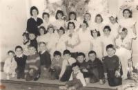 Kindergarten, final arrangement of preschool, Ruza Kolacek in the middle