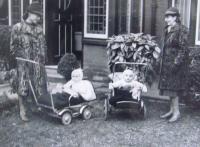 Marie Klusáčková with her mother, Newcastel, in England, 1940 - 1945