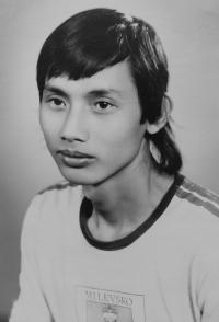 Vietnamský student na Středním odborném učilišti v Horních Heřmanicích Le Van Ty v roce 1987