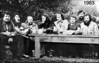 Zlínští disidenti v roce 1983 na chatě v Jaroslavicích