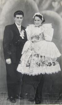 Svatební fotografie pamětnice, Blatnice pod Svatým Antonínkem, 1955