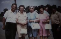 Návštěva v Americe, matka druhá zleva, USA, 1970