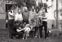 Rodina. Sourozenci Jaxa-Rozen a partneři, rodiče, 1974