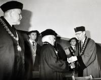 Slavnostní předání čestného doktorátu VUT v Brně Vladimíru Karfíkovi