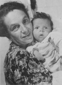 Ivana se svou matkou