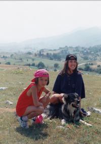 Nina a Sára Jaganjac v Hercegovine (1997)