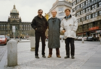 Zprava bratři Jaganjac s přítelem Mirzem (Praha, 1997)