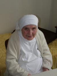 sestra Edigna Bílková při rozhovoru v Praze-Řepích