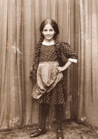 Marie 14 years, 1919, Brno