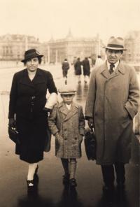 1938, Prague, Petr and his parents