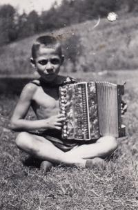 1938, Camp by Tisnov, Petr with harmonica