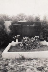 Grave of mother, Brno