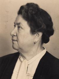 1945, October, aunt Albi Mark, nee Varinova