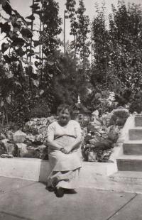 Aunt Pepi Vavřínová, 1944, father's aunt, died in the march of death on Pohořelice