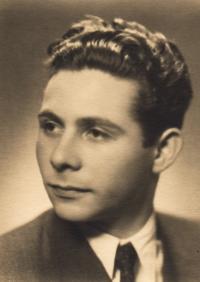 1951, Petr