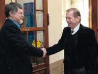 Josef Kovalčuk s Václavem Havlem na JAMU