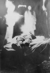 Divadelní hra Panychida za lidstvo, která proběhla v rámci hudebního festivalu pořádaném na Třemešku v roce 1985 na pětadvacáté narozeniny Antonína Mikšíka