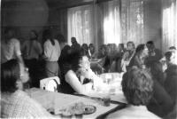 V hospodě Čtverka v Uničově. Muzikálový večer na téma 50. let