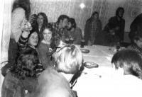 V hospodě Čtverka v Uničově. Muzikálový večer na téma 70. let