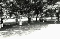 Výstava v parku v Uničově v roce 1988