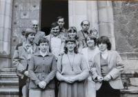 Rodina Dvořákova s Jiřím Šnajdrem a dalšími věřícími